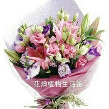 本款花束属大型花束,花材种类丰富,效果大气典雅,是送礼比较时尚和图片